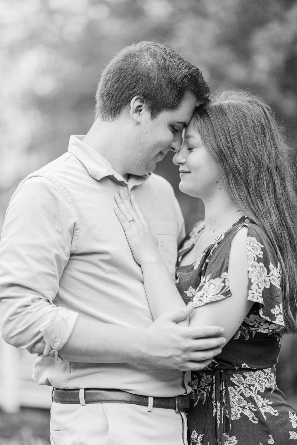 Rainy_Sayen_Gardens_Engagement_Session-50