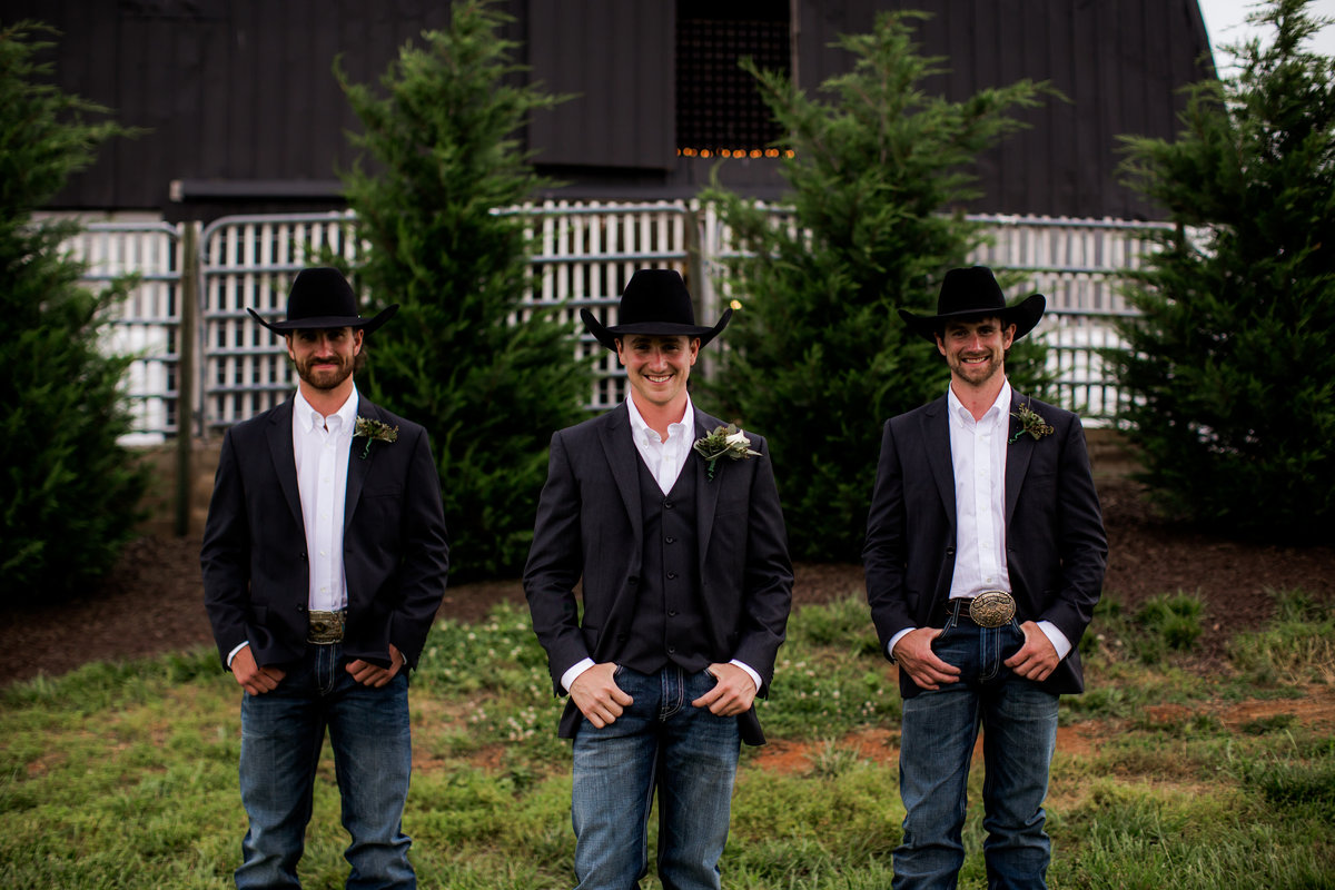 Nsshville Bride - Nashville Brides - The Hayloft Weddings - Tennessee Brides - Kentucky Brides - Southern Brides - Cowboys Wife - Cowboys Bride - Ranch Weddings - Cowboys and Belles040