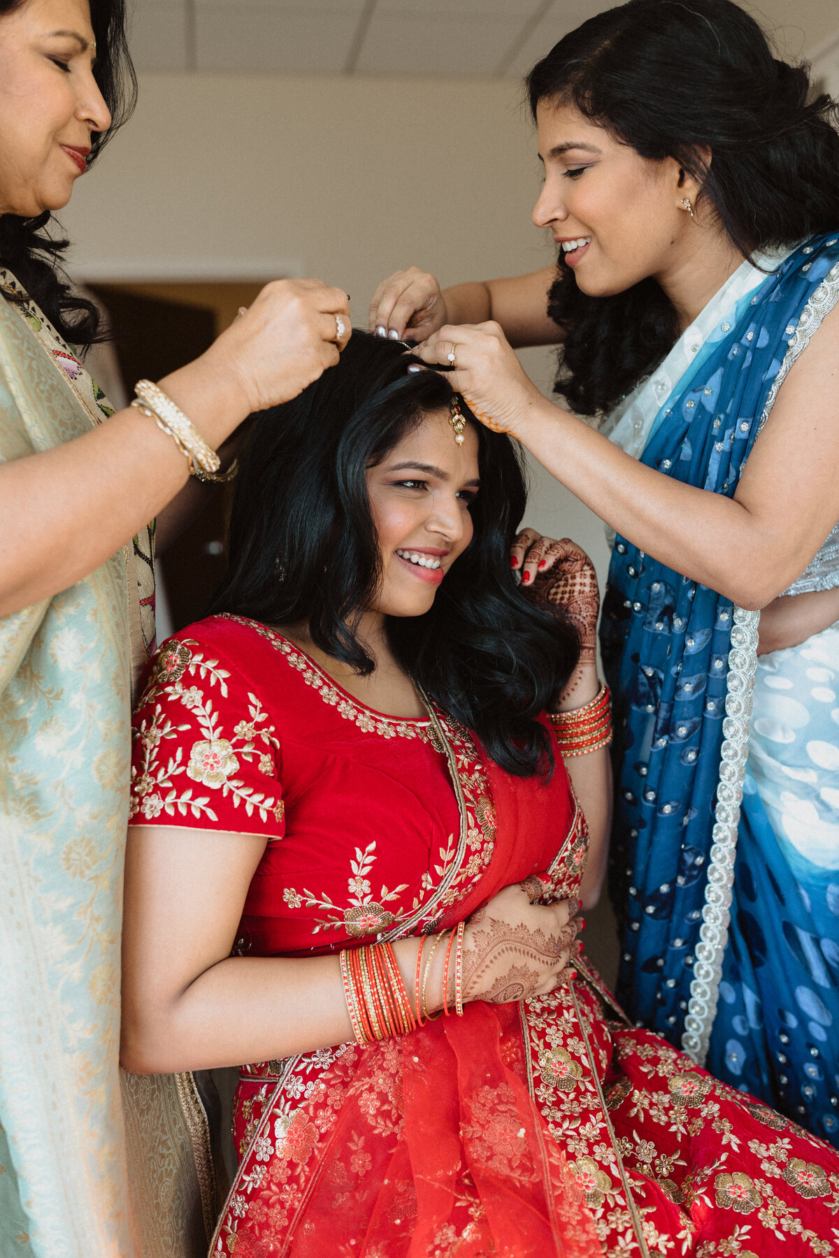 CarolinethePhotographer-Juhi&Alain-GettingReady-60