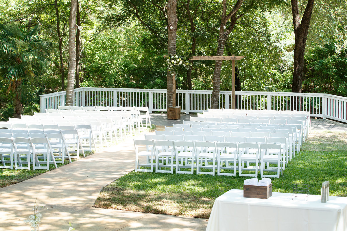 Austin wedding photographer casa blanca on brushy creek ceremony site
