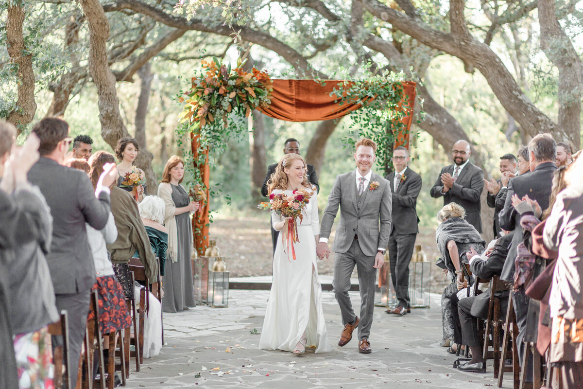 The-Addison-Grove-Elegant-Fall-Wedding-Photos-9727