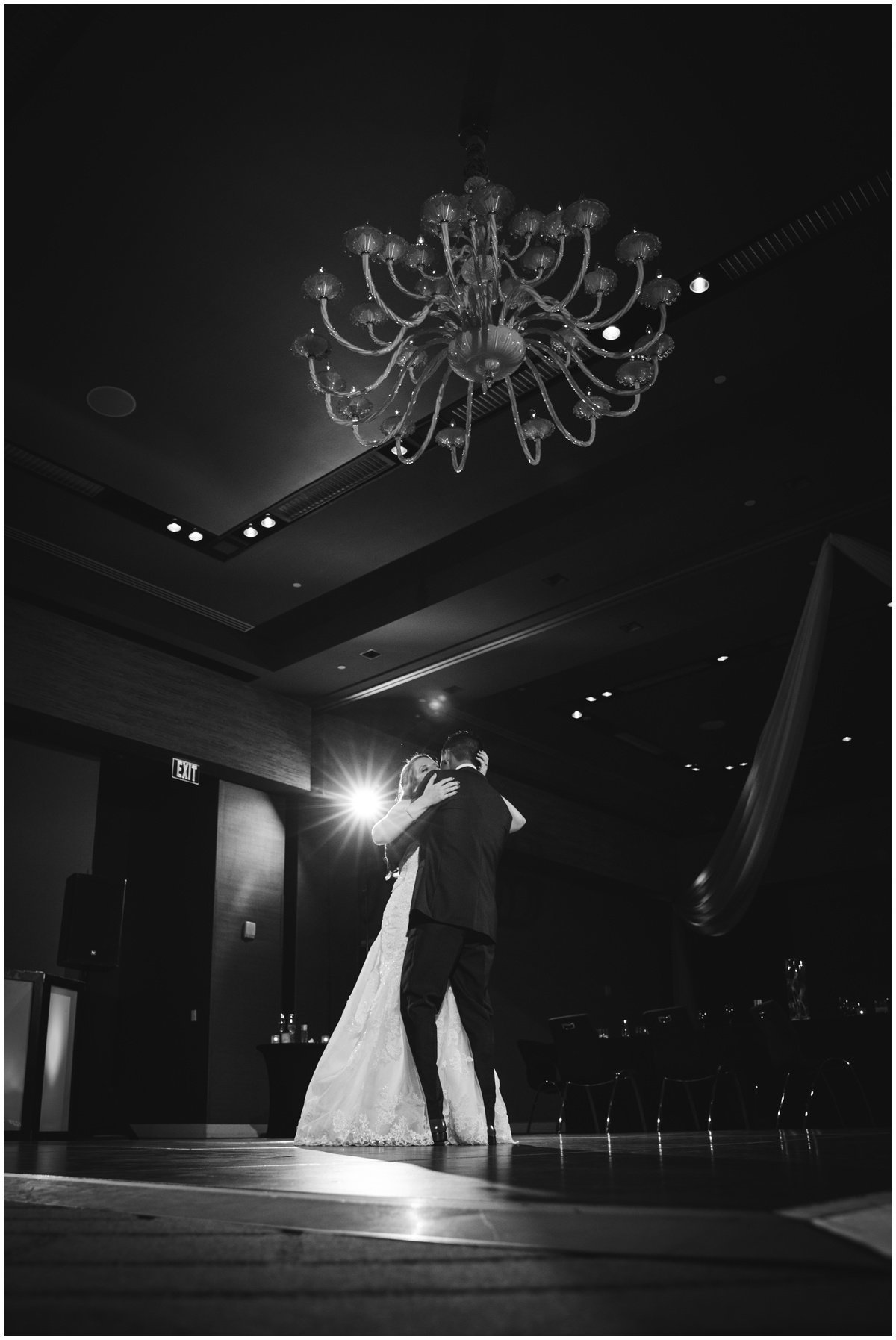 Austin wedding photographer w hotel wedding photographer bride groom final dance
