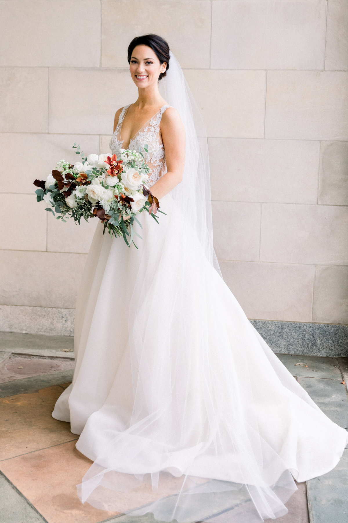 classic winter bride Winterthur florist bouquet Delaware