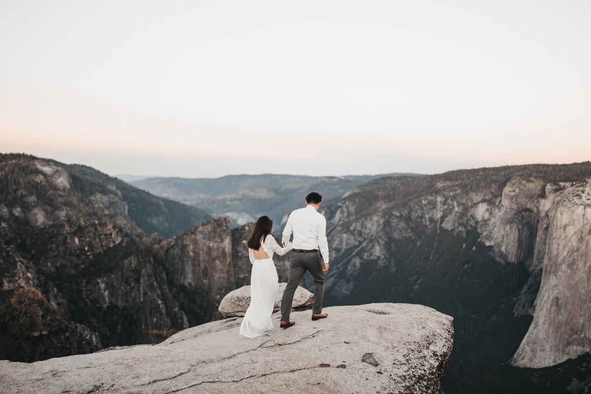 athena-and-camron-how-to-elope-in-yosemite-cathedral-rocks4
