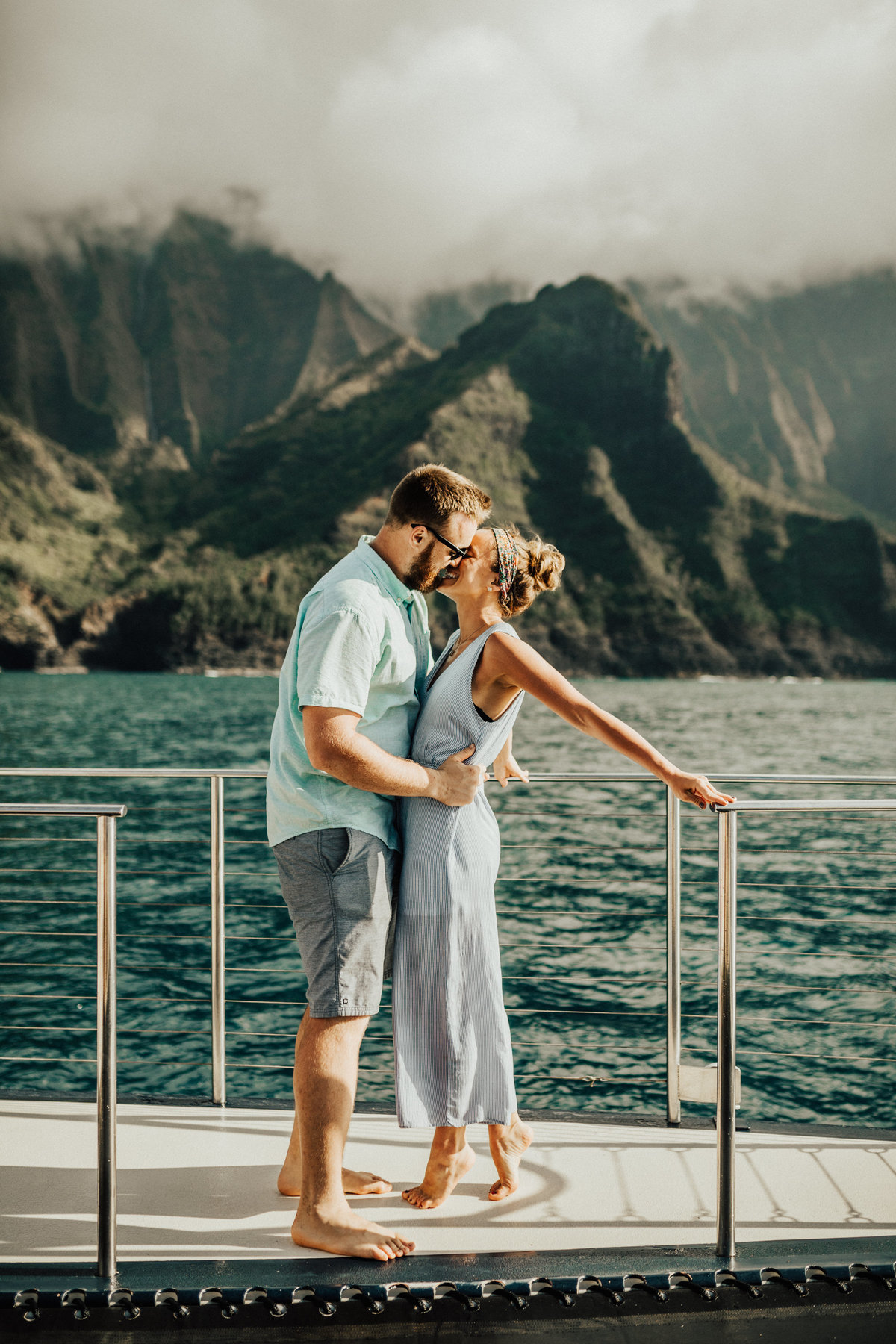 kauai-hawaii-napali-coast-couple-session-jordan-lee-dooley-soul-scripts-lindsey-roman-destination-elopement-photographer-52
