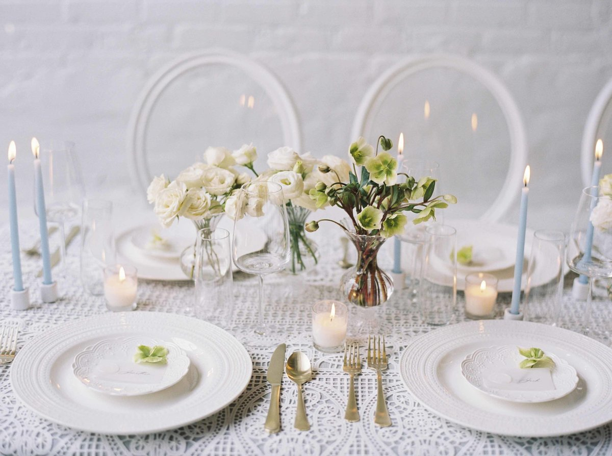 White and Gold table design in Boston