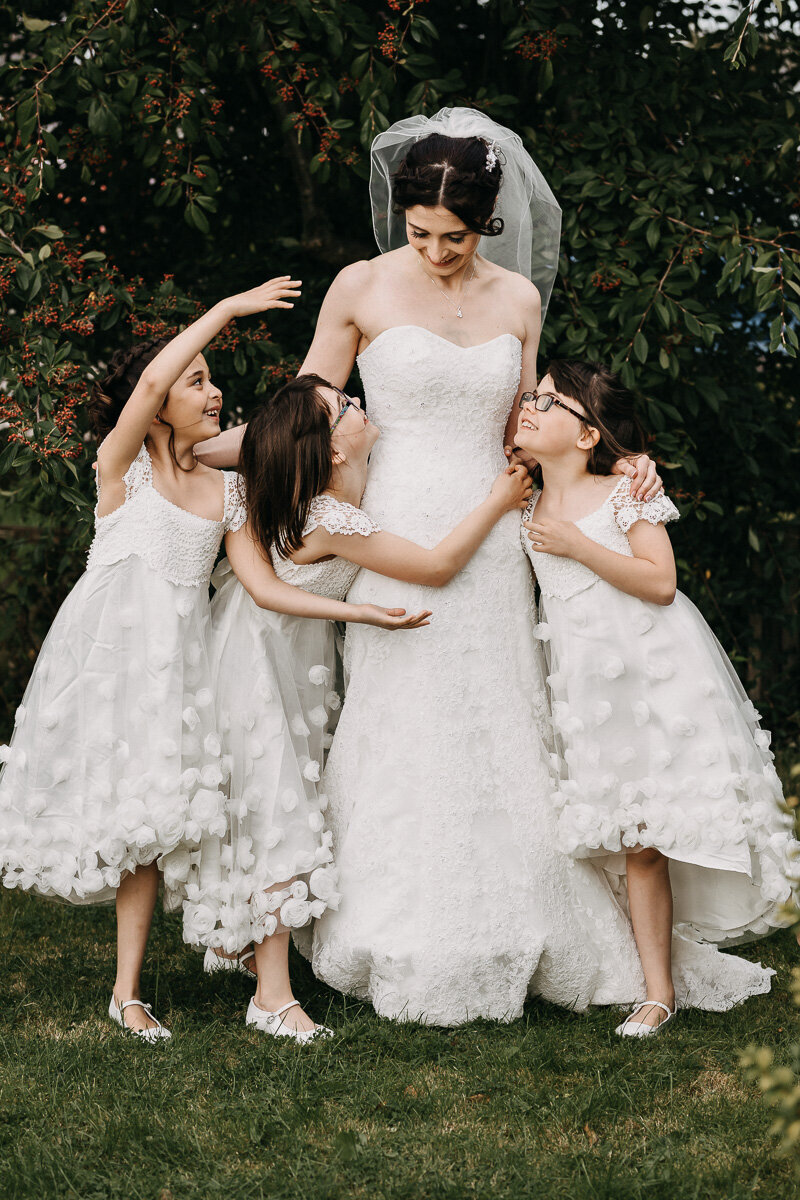 Aberdeen_Bride_and_flower_girls_Intimate_Wedding