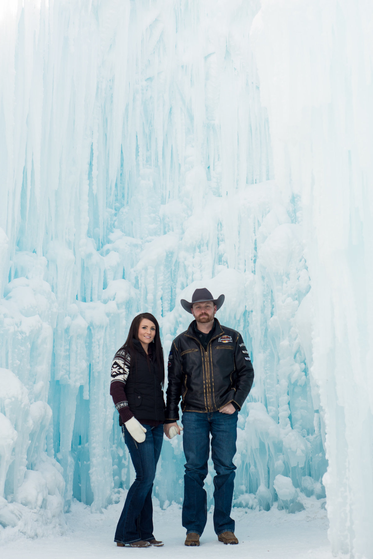 Edmonton-Okotoks-Engagement-Wedding-Photographer-Ice-Castles-YEG-7