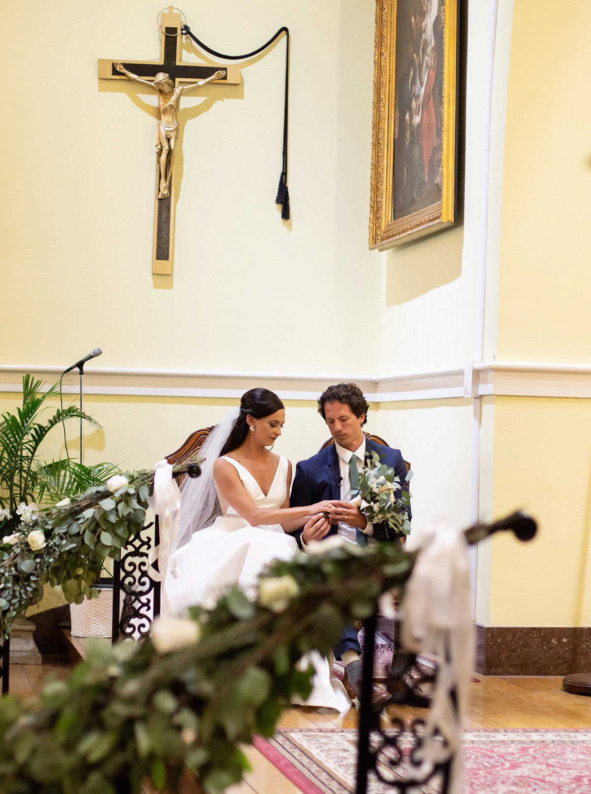 bride-and-groom-catholic-mass