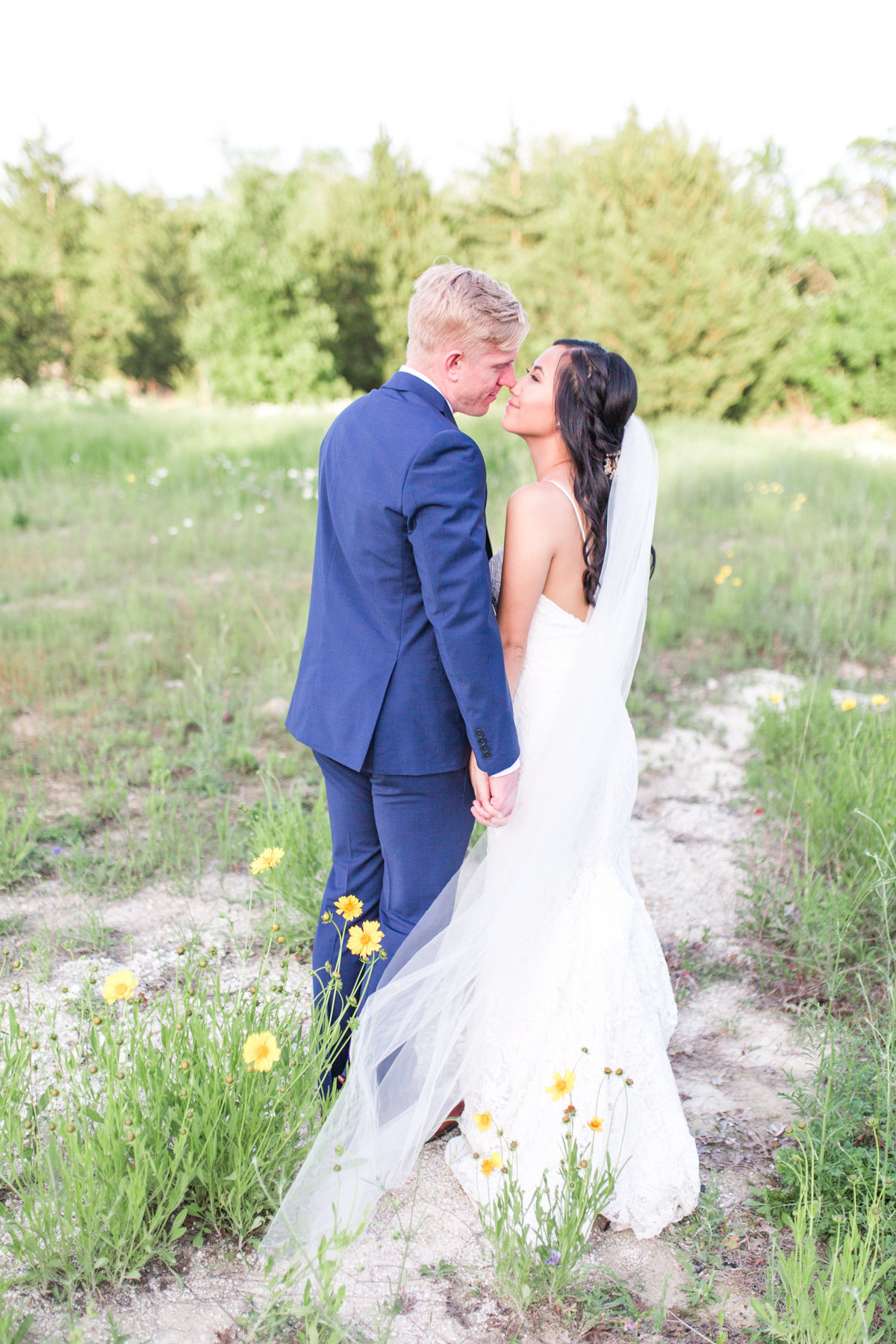 Dallas Wedding Photographers | Sami Kathryn Photography | Portfolio: Doug + Dyann at Stone Crest Venue