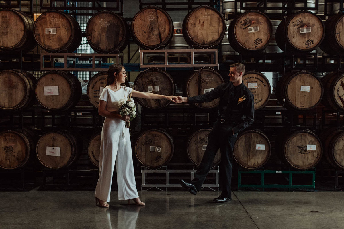 wedding-barrels-brewery-elopement-chicago-il-15
