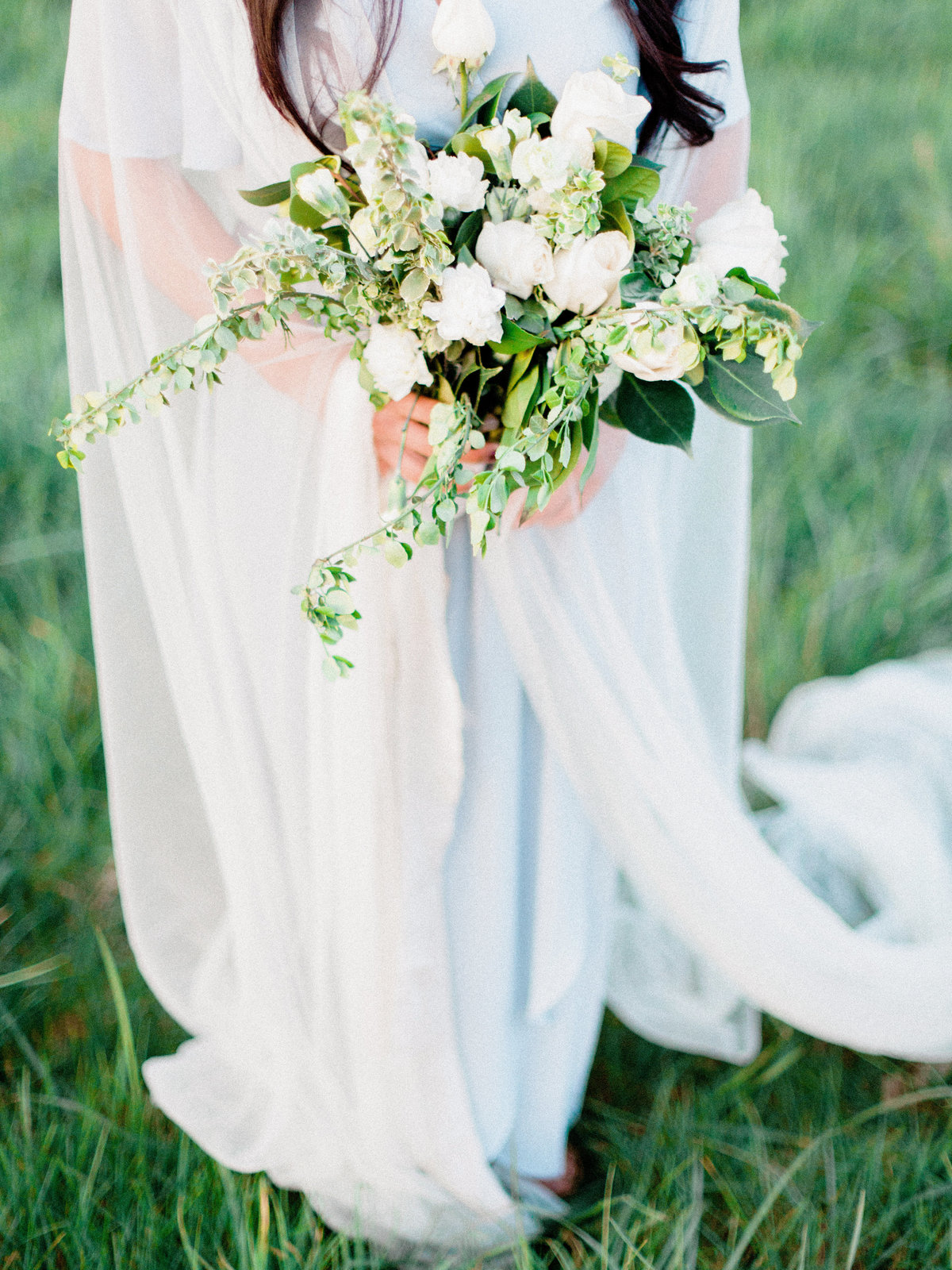 WHEN-SHE-KNEW-PHOTOGRAPHY-ADORN-MAGAZINE-ETHEREAL-BRIDAL-WEDDING-EDITORIAL-OREGON-22