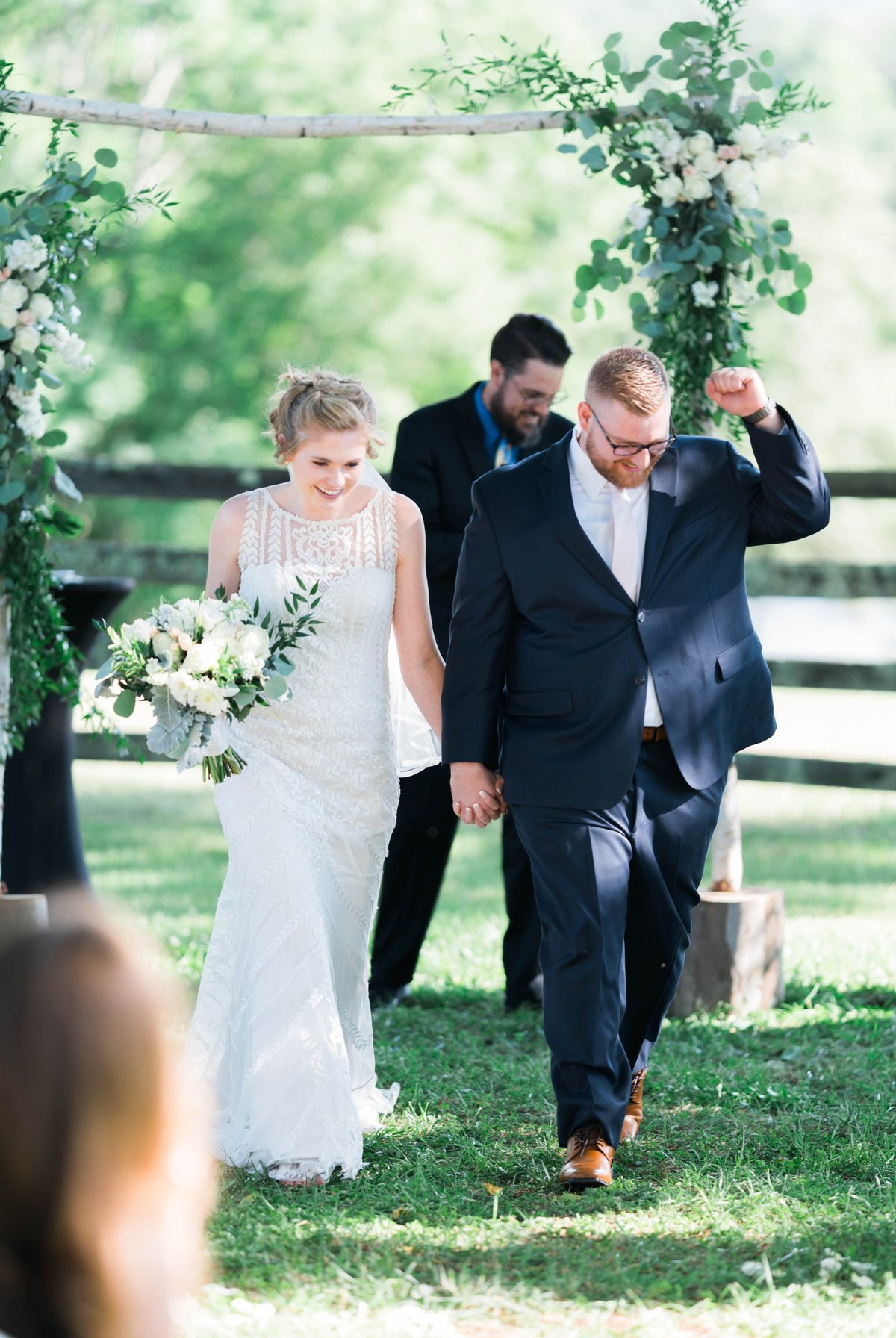SorellaFarms_VirginiaWeddingPhotographer_BarnWedding_Lynchburgweddingphotographer_DanielleTyler+2(2)