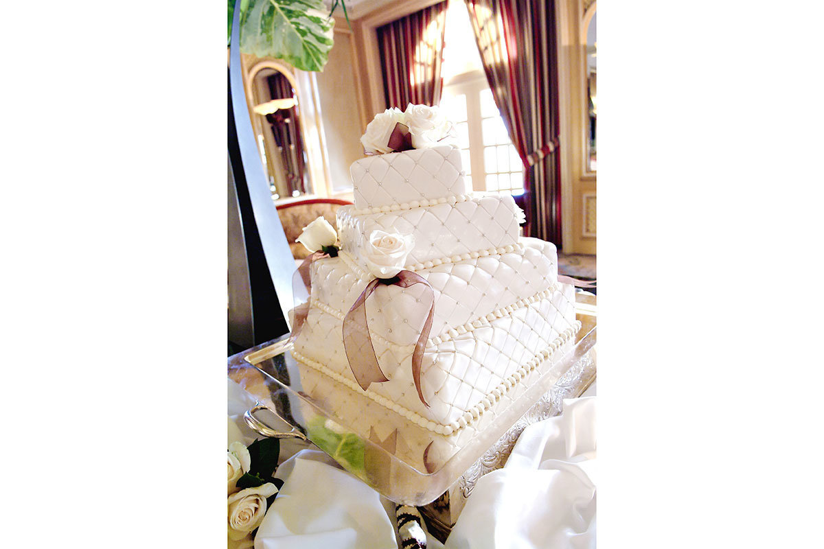 elegant wedding cake ritz carlton naples florida