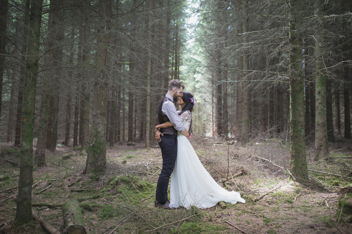 natural wedding photographer in devon