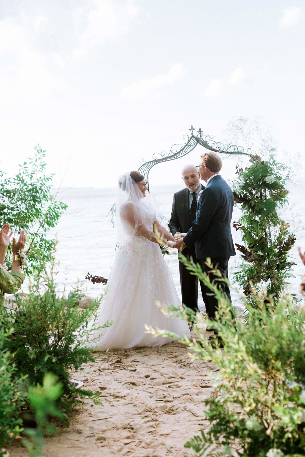 woodland-lakeside-wedding-ceremony-onaway-michigan