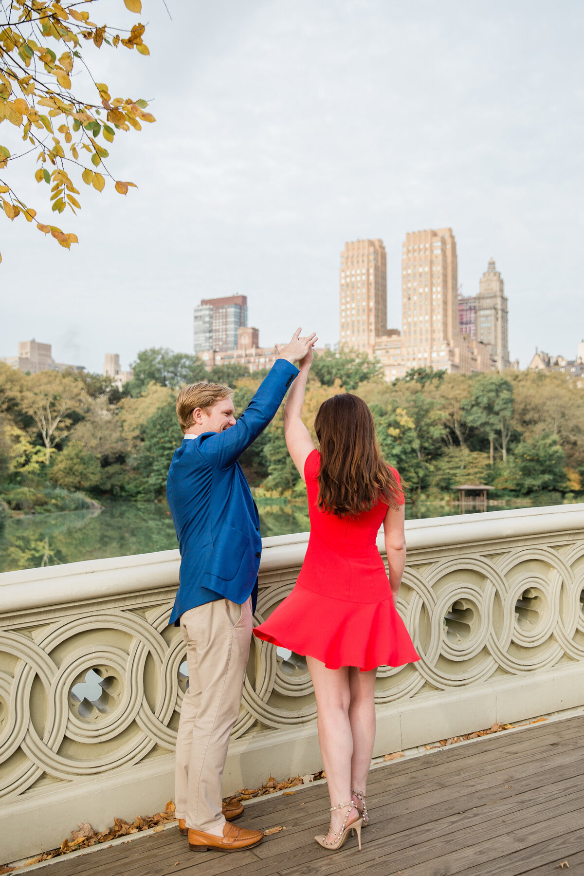 NW_Laura-Rose-Central-park-fall-engagement-L&T