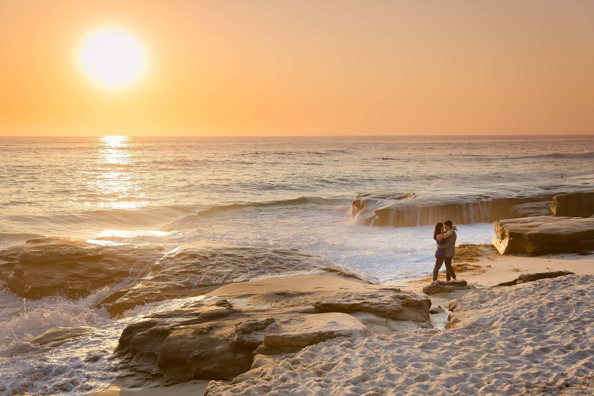 Babsie-Ly-Photography-Surprise-Proposal-Engagement-in-San-Diego-La-Jolla-Sunset-dreamy-beach-water-view-019