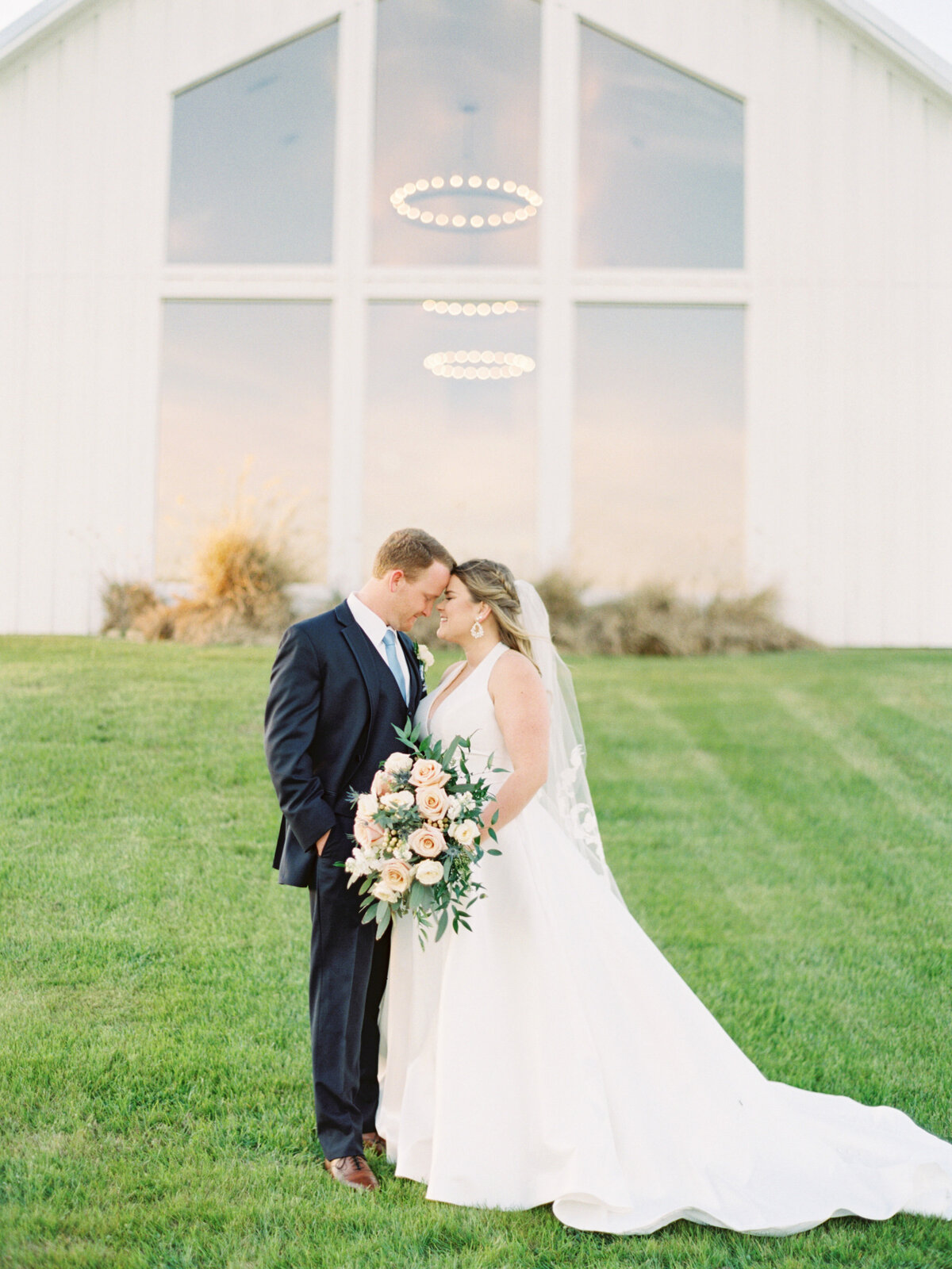 the-farmhouse-wedding-houston-texas-wedding-photographer-mackenzie-reiter-photography-75