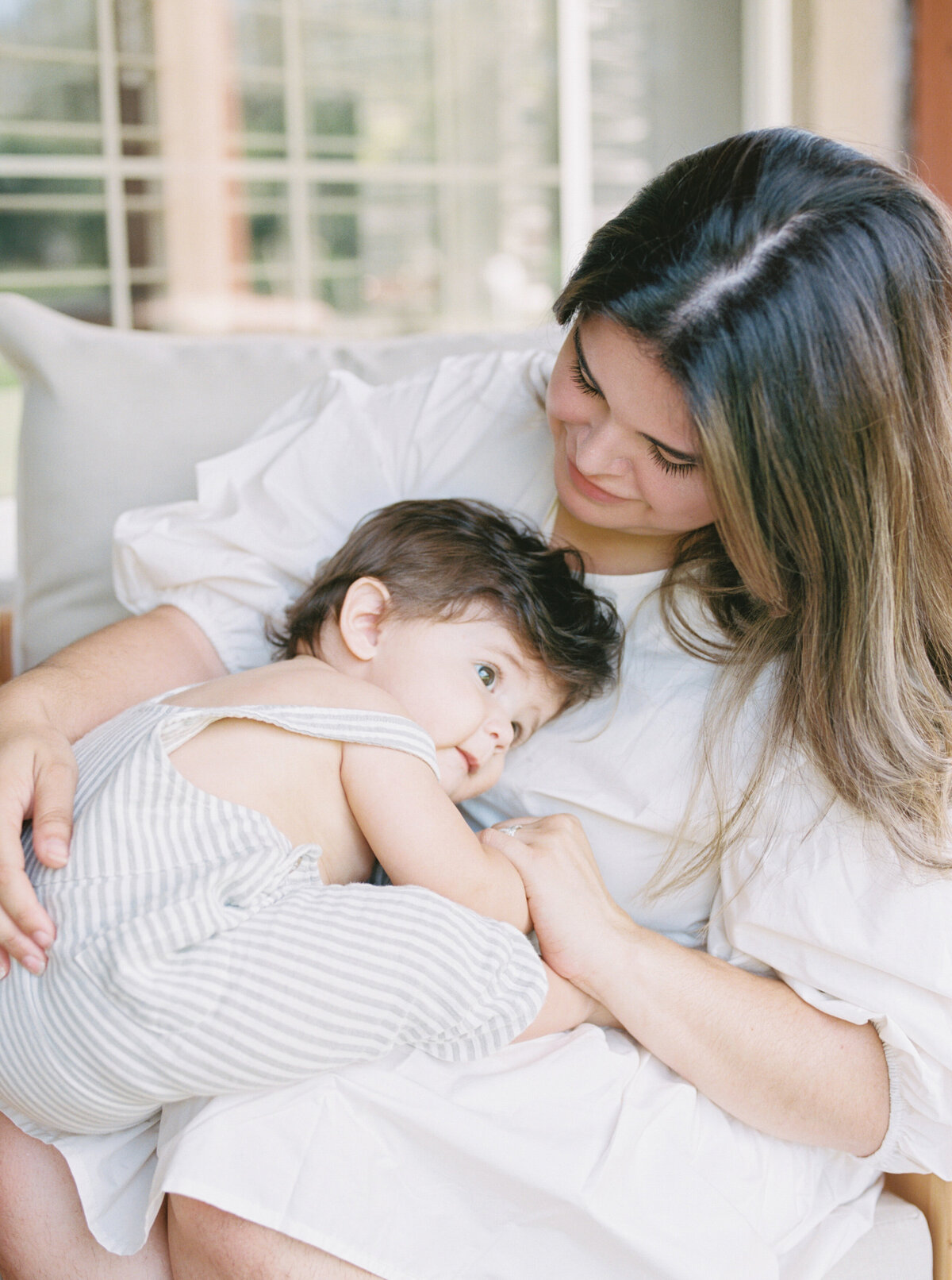 Organic Modern Minimal In Home Motherhood Session Film Photography -9