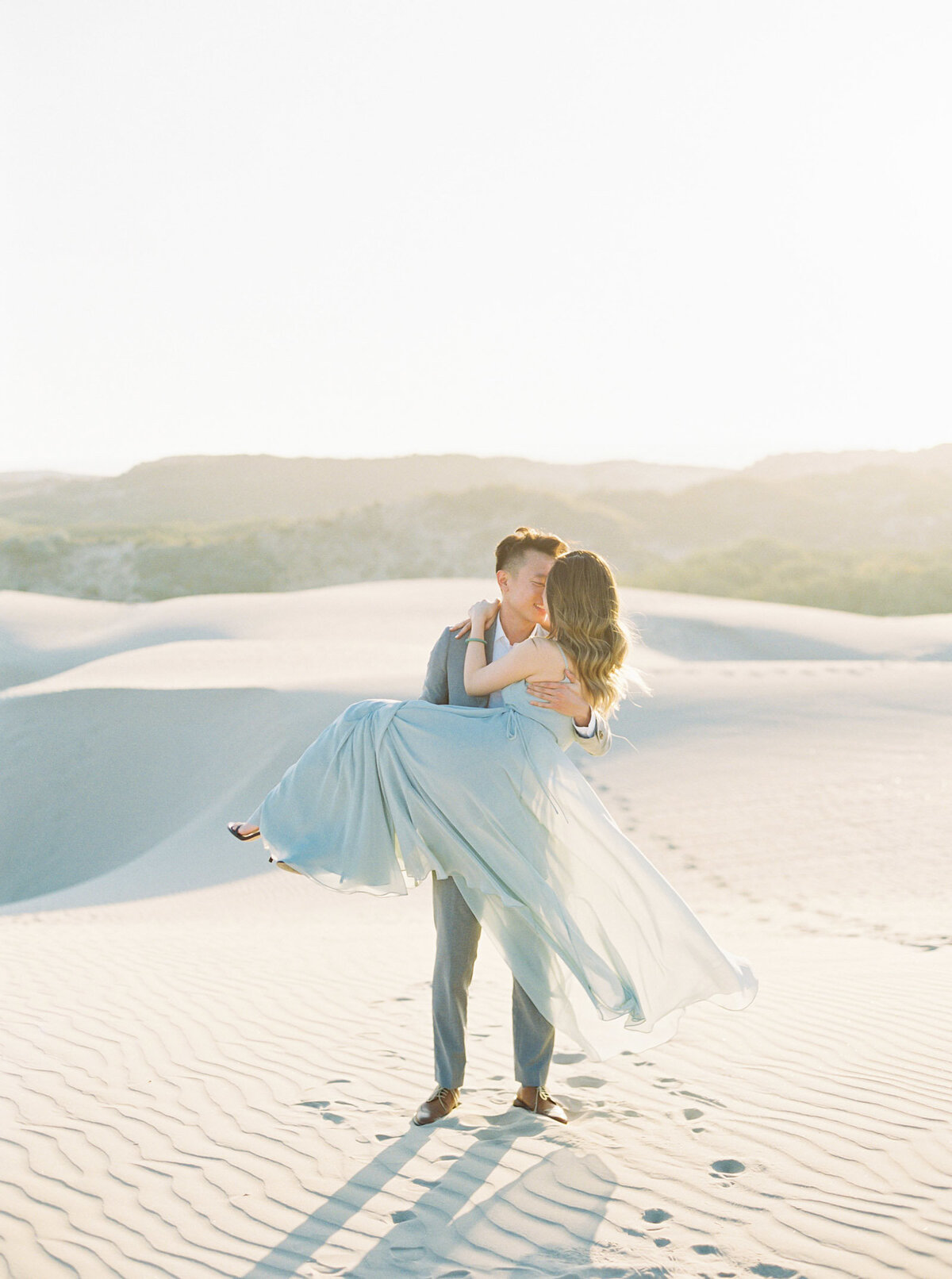 sand-dune-engagement-photos-24