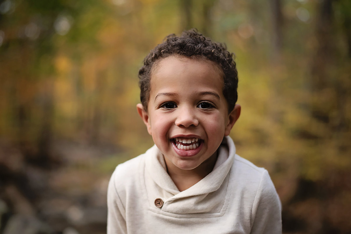 Gorgeous fall photo of happy child at Lubber Run Park in Arlington Virginia by Sarah Alice Photography (2)