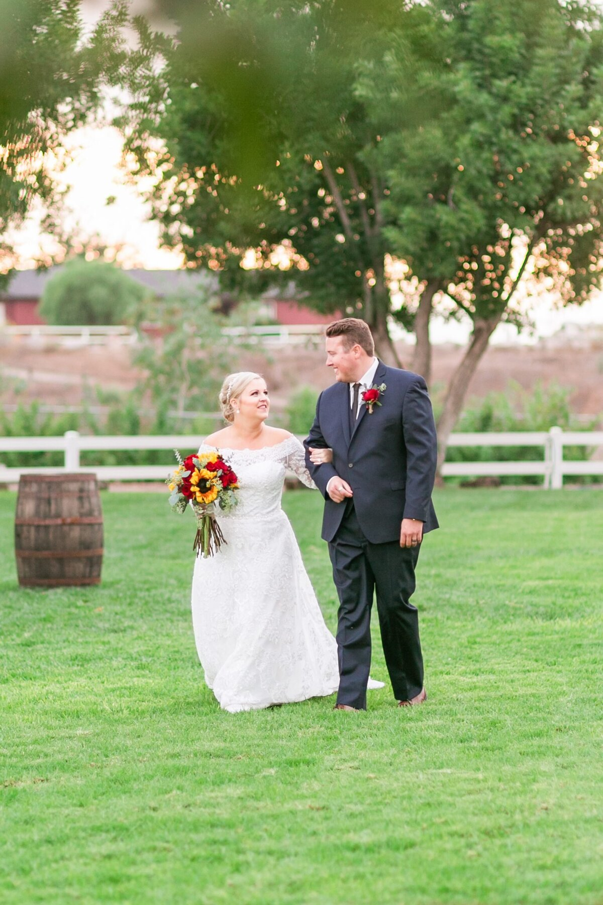Kelli-Bee-Photography-Gallery-Farm-Southern-CA-Norco-Rustic-Wedding-Luxury-Lifestyle-Photographer-Lauren-Ben-0051