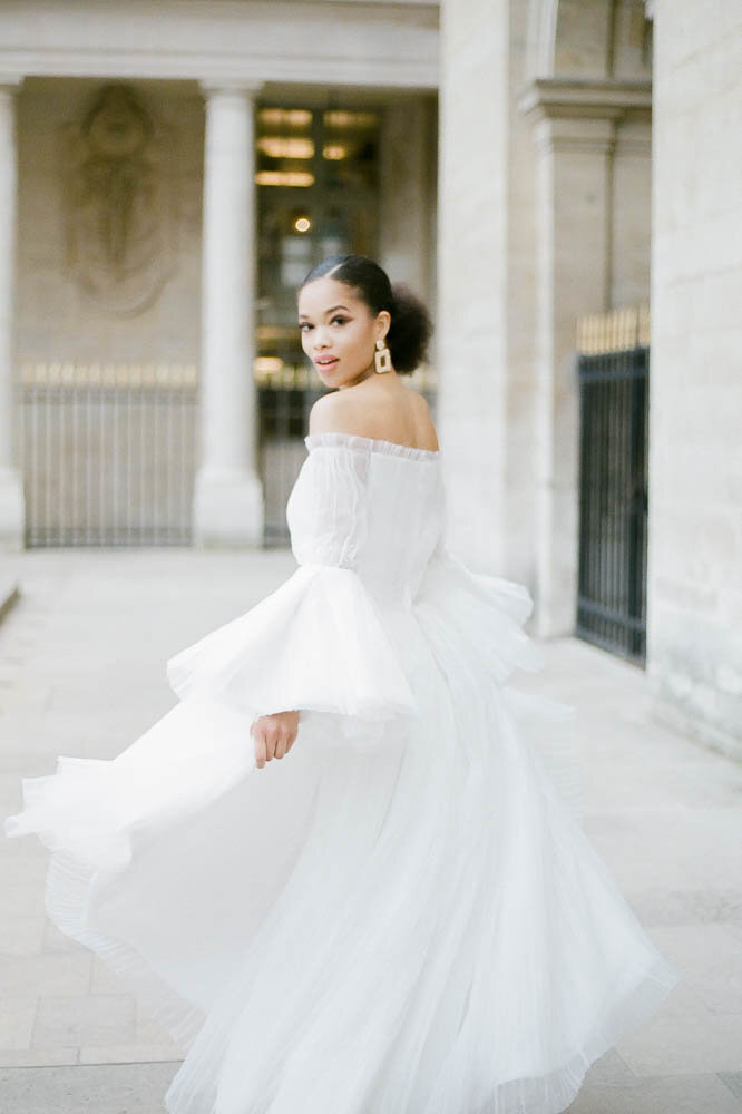 editorial-fashion-bridal-wedding-photo-louvre-musé-paris-france-gabriella-vanstern-12