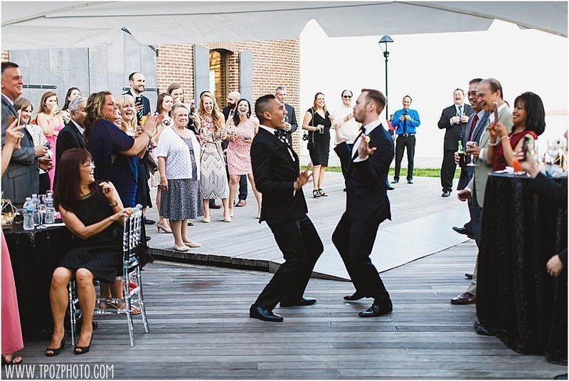 same-sex-wedding-frederick-douglass-maritime-museu_92