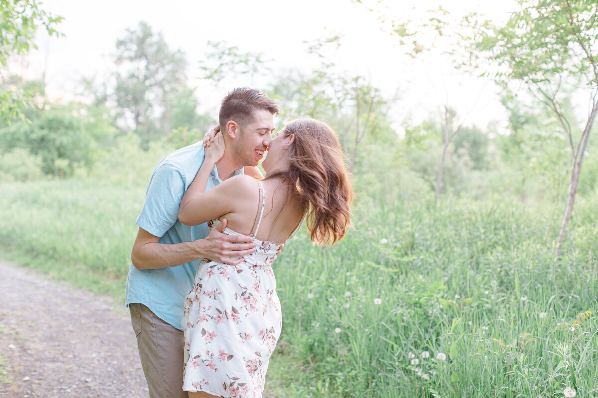 spring-engagement-photos-grey-loft-studio-2020-34