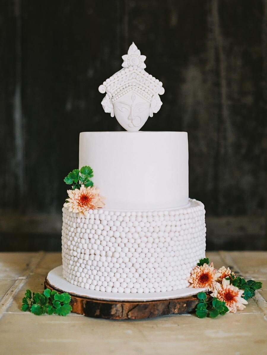 White Modern Indian Wedding Cake Durga Rouge Cafe Kolkata Bonnie Sen Photography