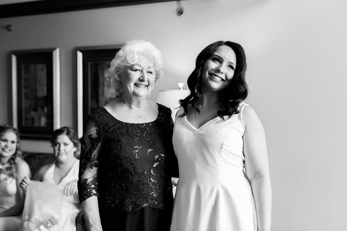 Rachel-Matt-Inn-at-St-Johns-Wedding-Michigan-Breanne-Rochelle-Photography46