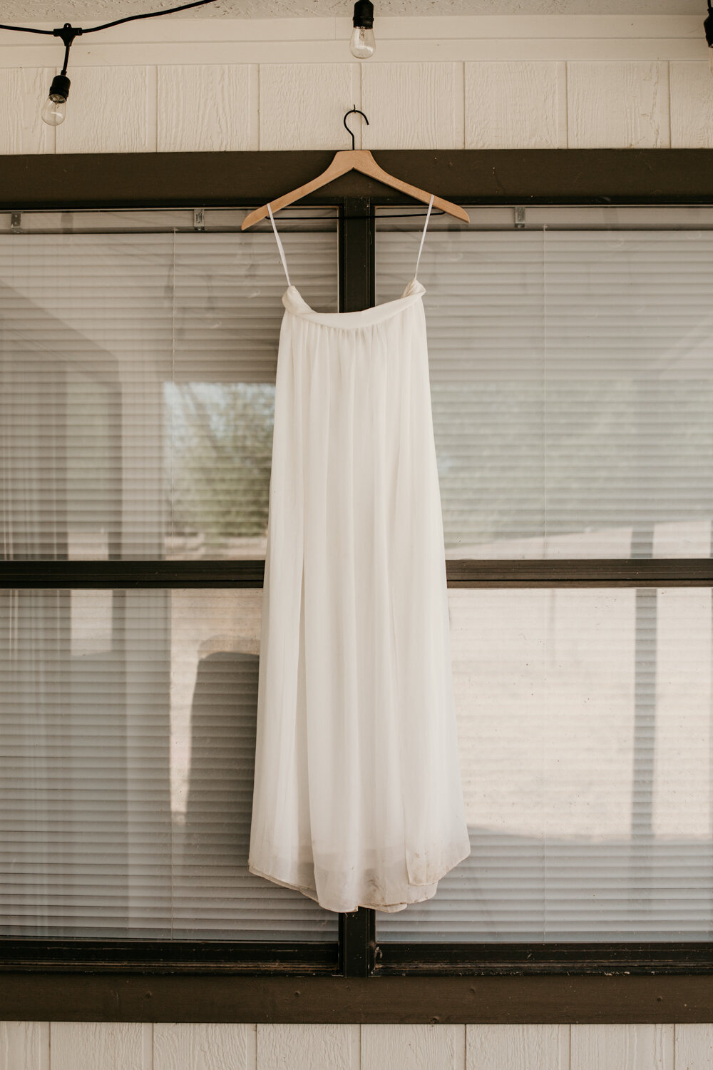 wedding-dress-rentals-for-styled-shoots-elopement-photographer-16