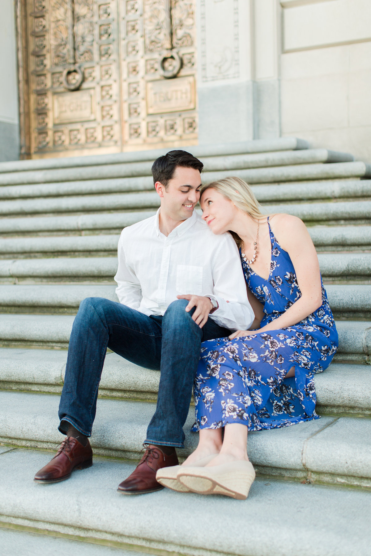 Indianapolis War Memorial Downtown Engagement Session Sunrise Sami Renee Photography-7