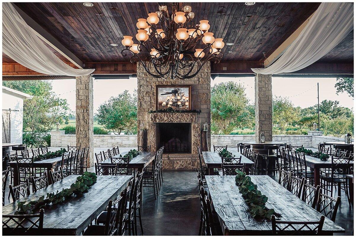 Houston Rustic Wedding Venue Packages | Emery's Buffalo Creek