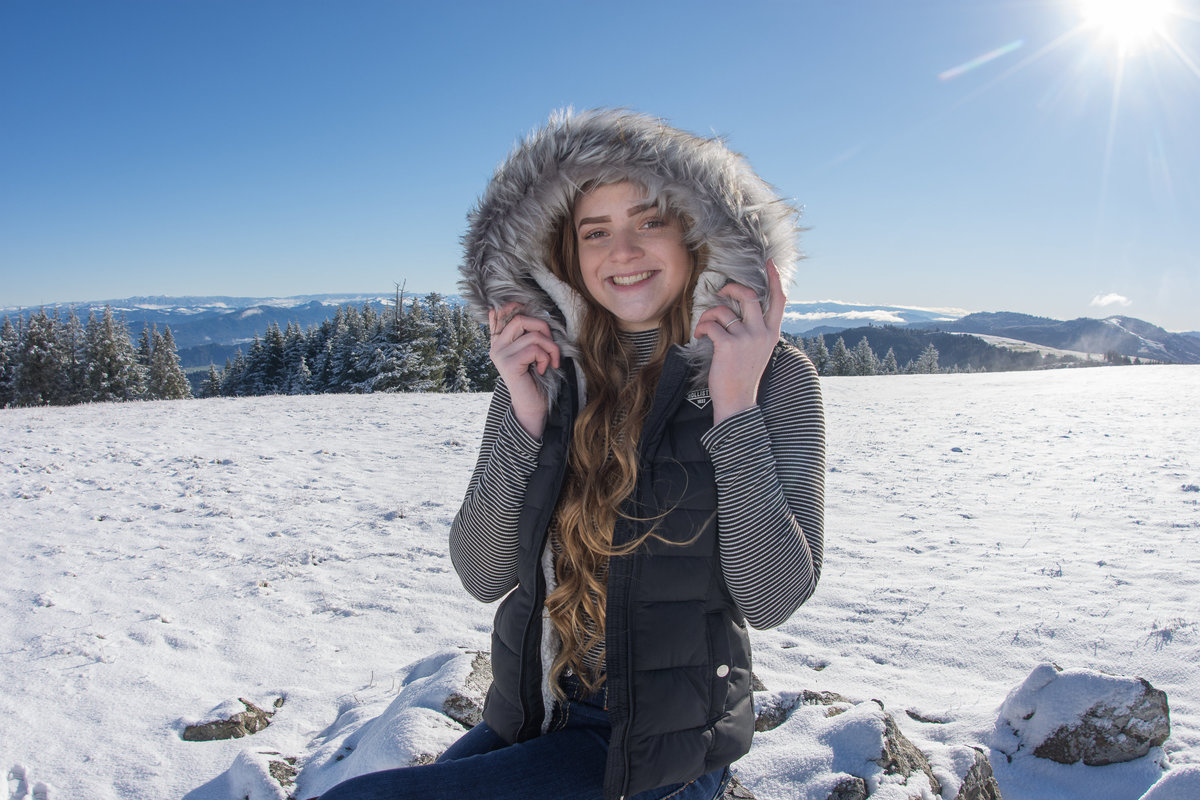 Redway-California-senior-portrait-photographer-Parky's-Pics-Photography-Humboldt-County-Snow-session-Mountain-top-Monument-Mountain-Rio-Del-Ca 6.jpg
