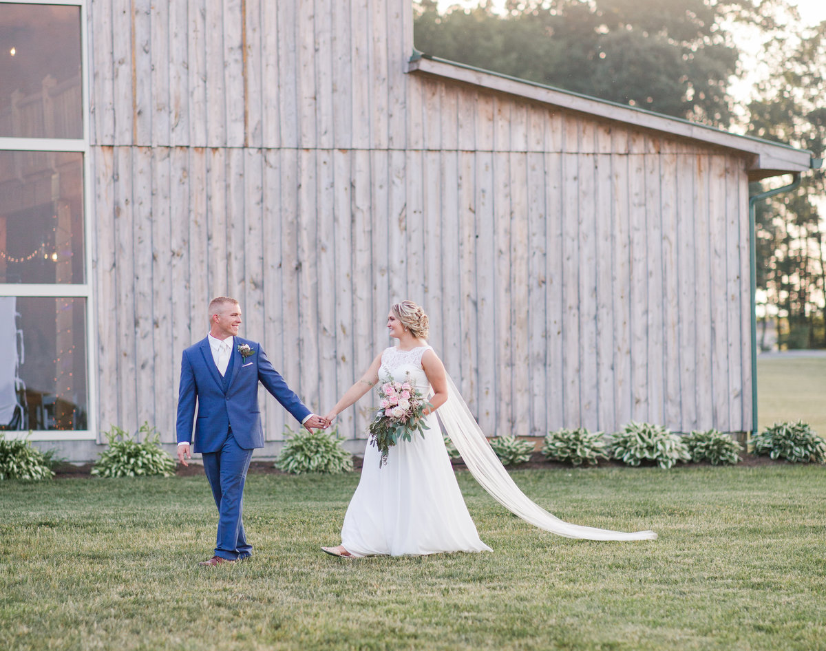 Elizabeth Hill Photography Blush and Navy North Carolina Wedding-16