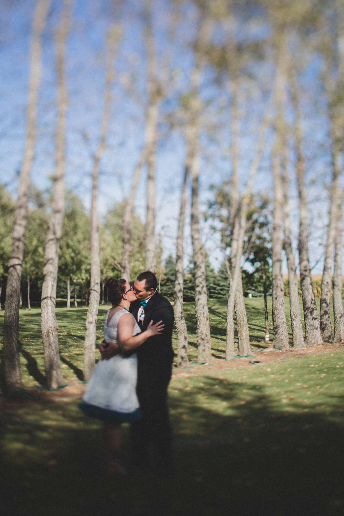 minneapolis-backyard-elopement-photographer