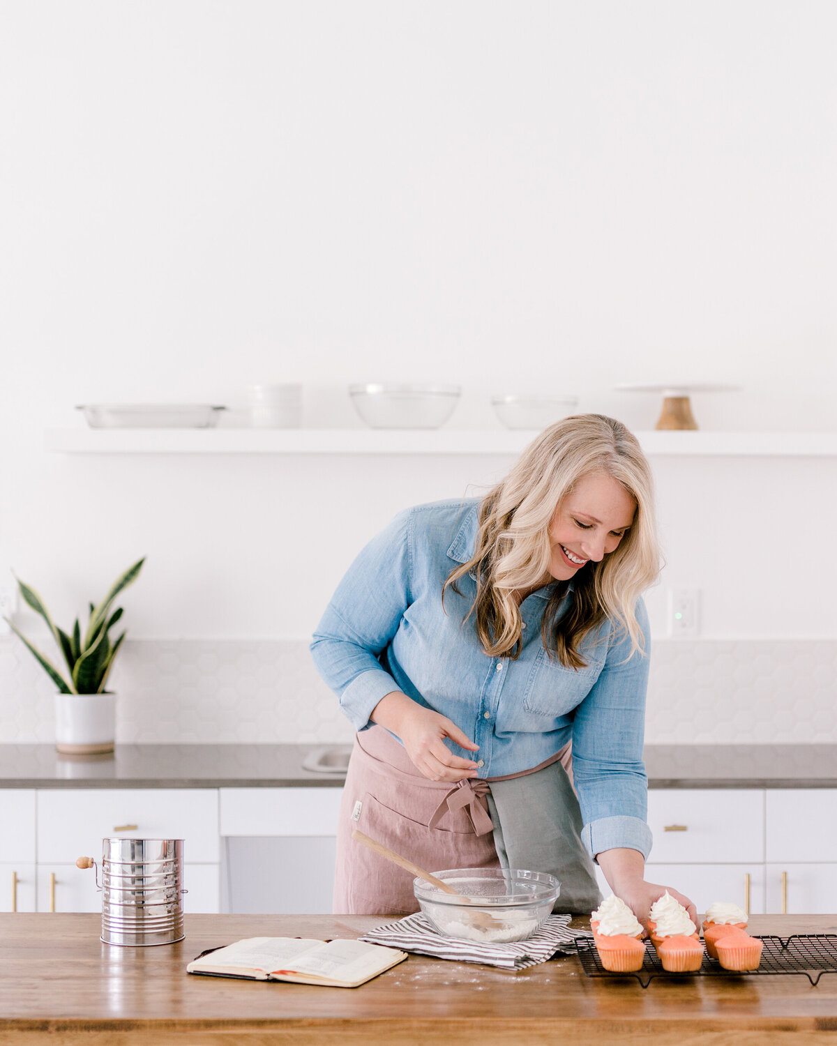 Dallas Brand Photography for Creatives | Laylee Emadi | Catie Ann Baking | Brand Mini Session 22