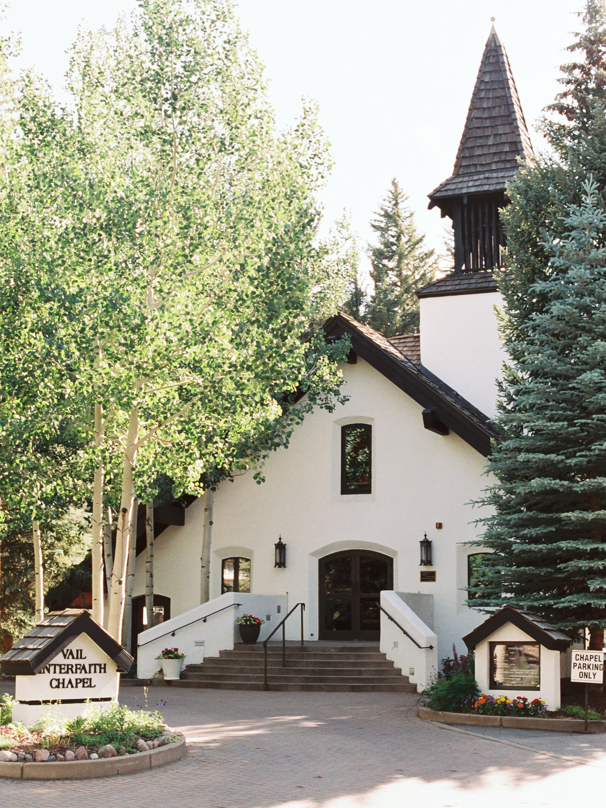 Vail Interfaith Chapel Mountain Wedding Photographer