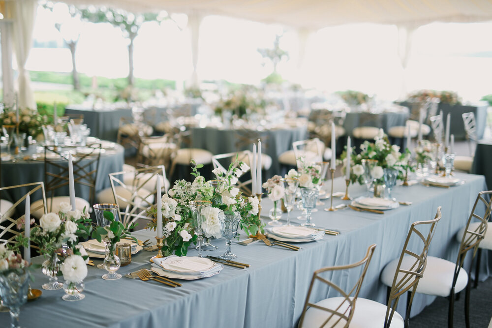 Kirkland-washington-wedding-planner-leigh-and-mitchell-waterfront-wedding-blue-and-white-wedding-decor