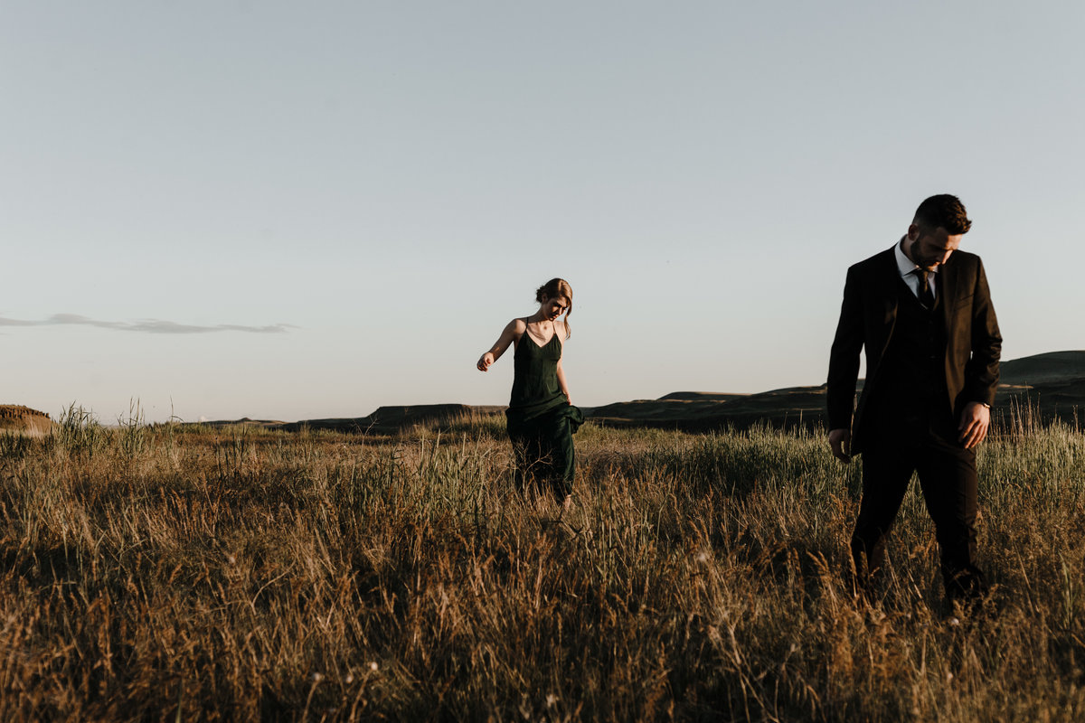 Alycia-Lovell-Wedding-Photography-Palouse-Falls-Portraits-Session-13