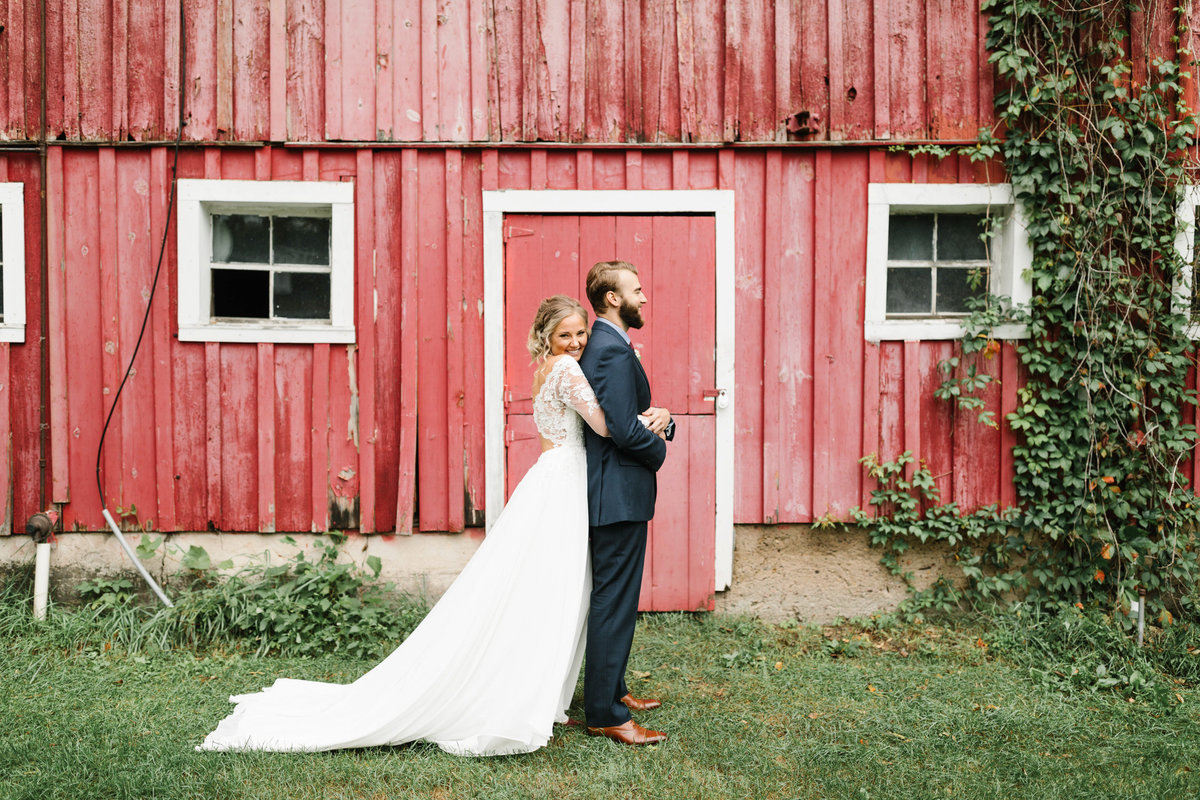 Hope-Glen-Farm-Cottage-Grove-Minnesota-September-Fall-Wedding-19