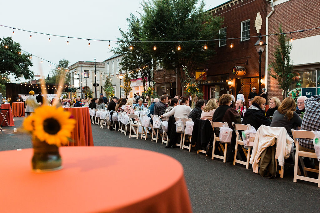affair-on-caroline-street-fredericksburg-virginia-community-dinner-happy-to-be-events2280