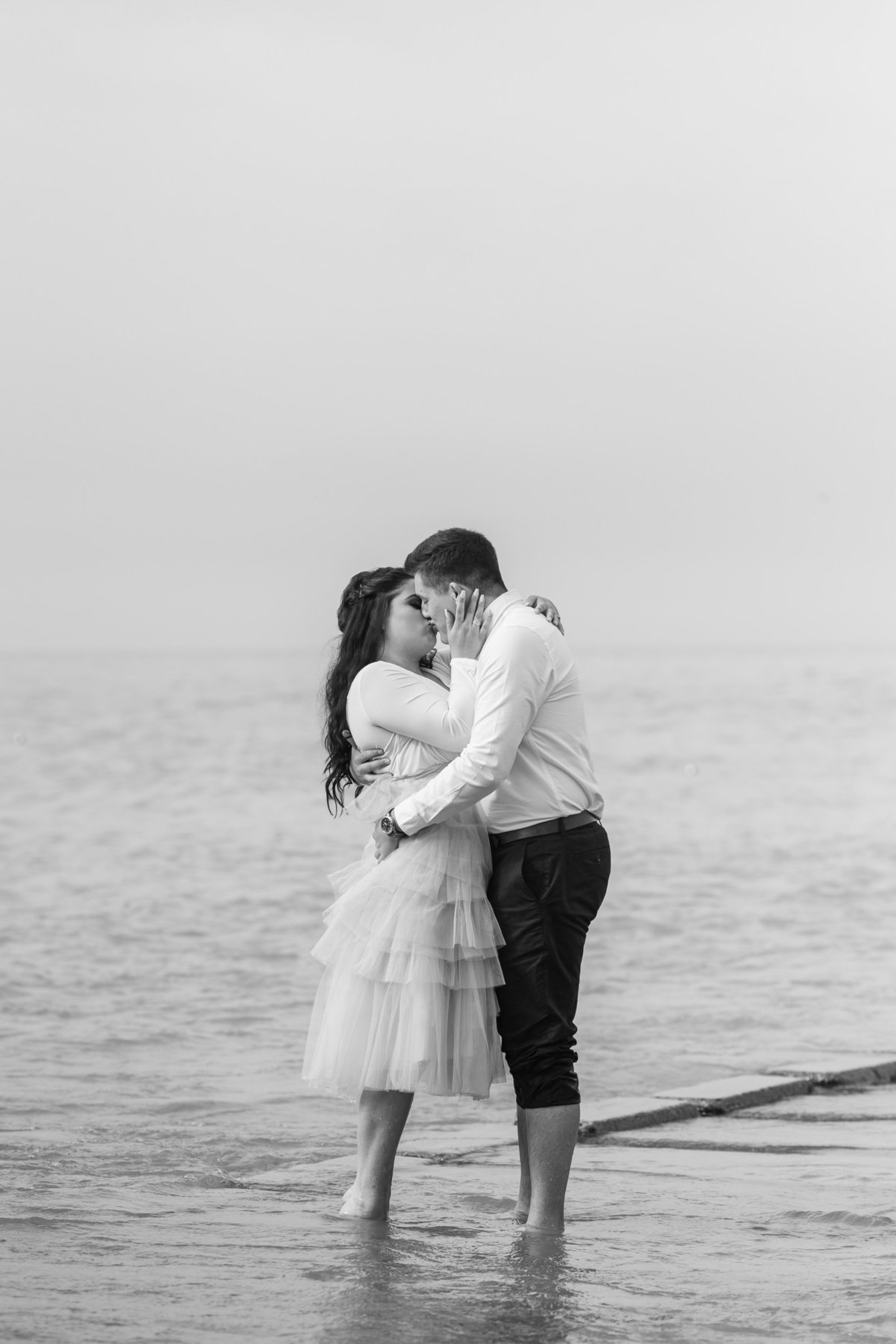 atwater-beach-engagement-milwaukee-the-paper-elephant-028