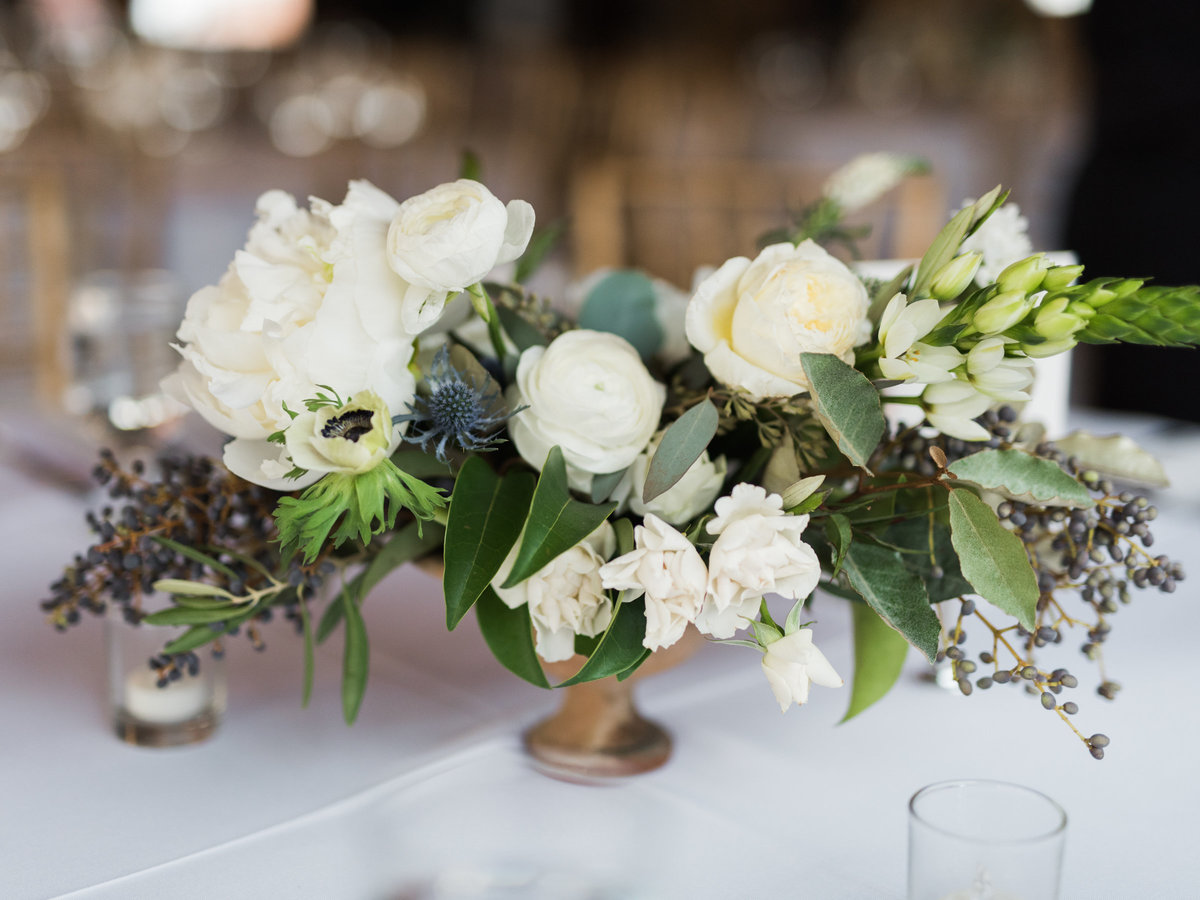 Courtney Hanson Photography - Festive Holiday Wedding in Dallas at Hickory Street Annex-1213
