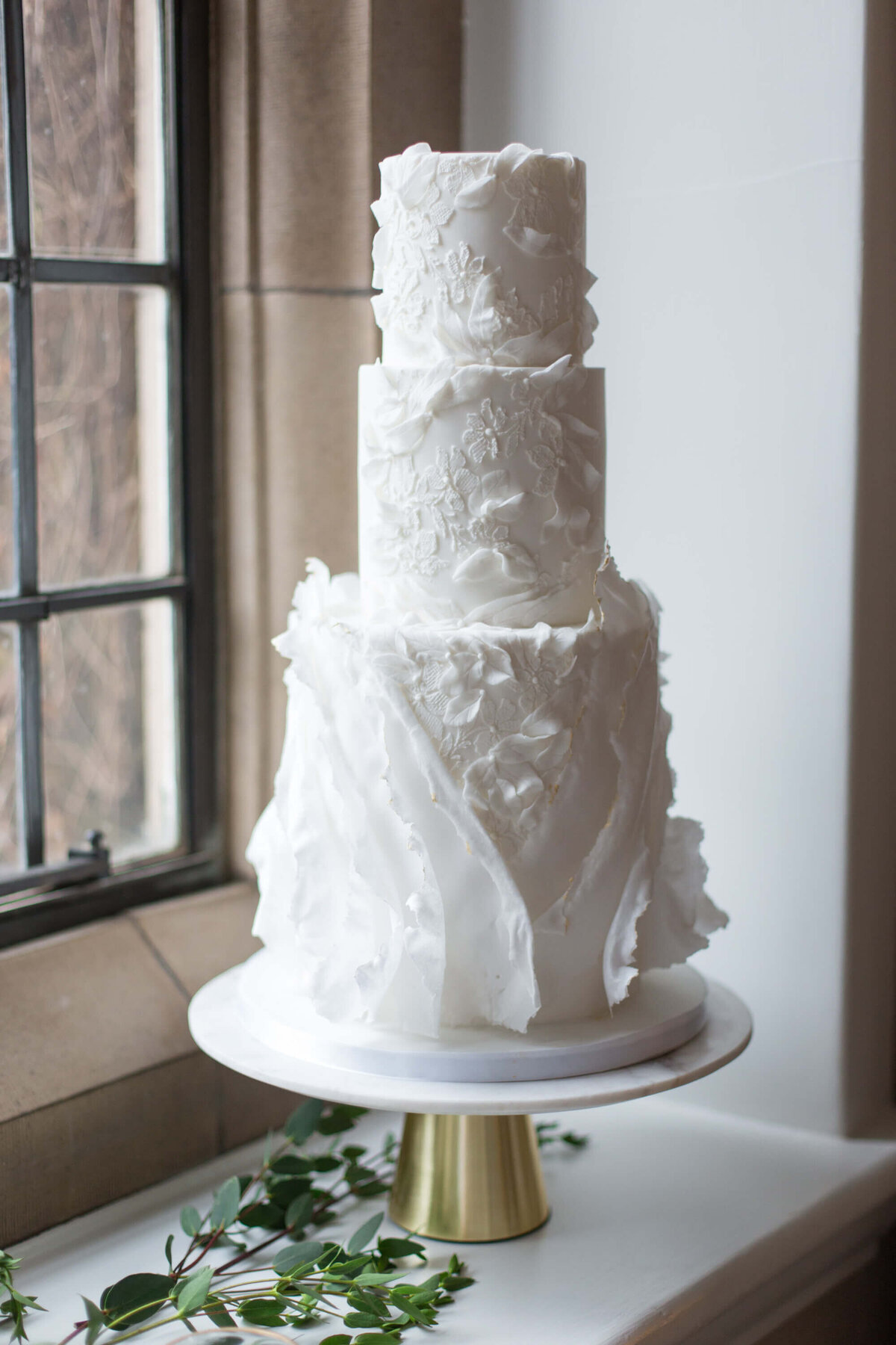 3 tier  white luxury wafer paper texture wedding cake | MonAnnie