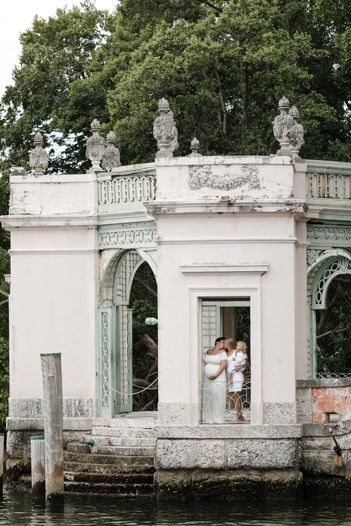 same-sex-maternity-session-miami-vizcaya3