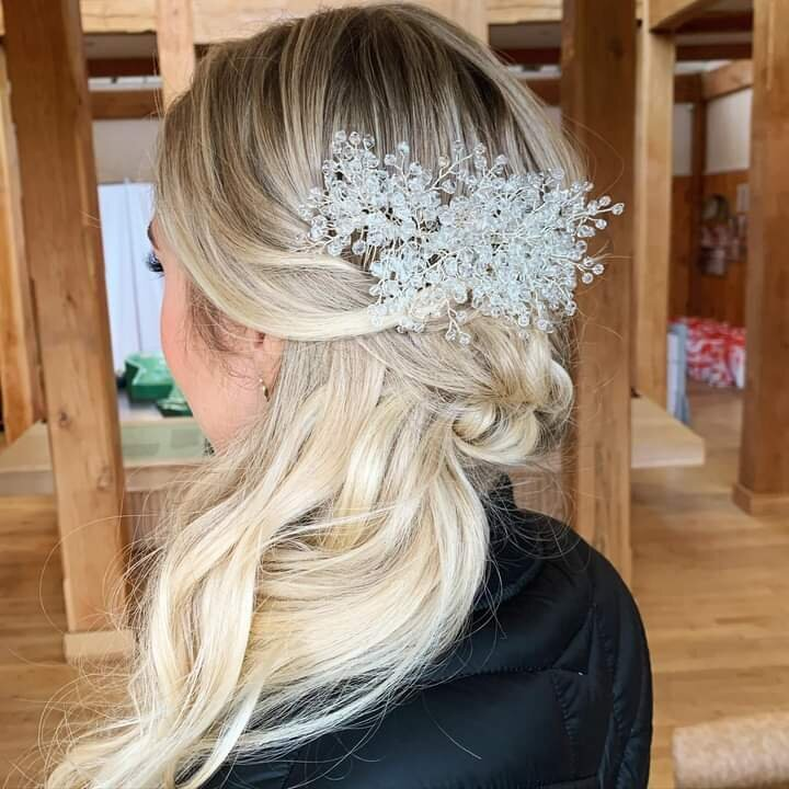 ct-wedding-hair-stylist-smudge-makeup-ct-13