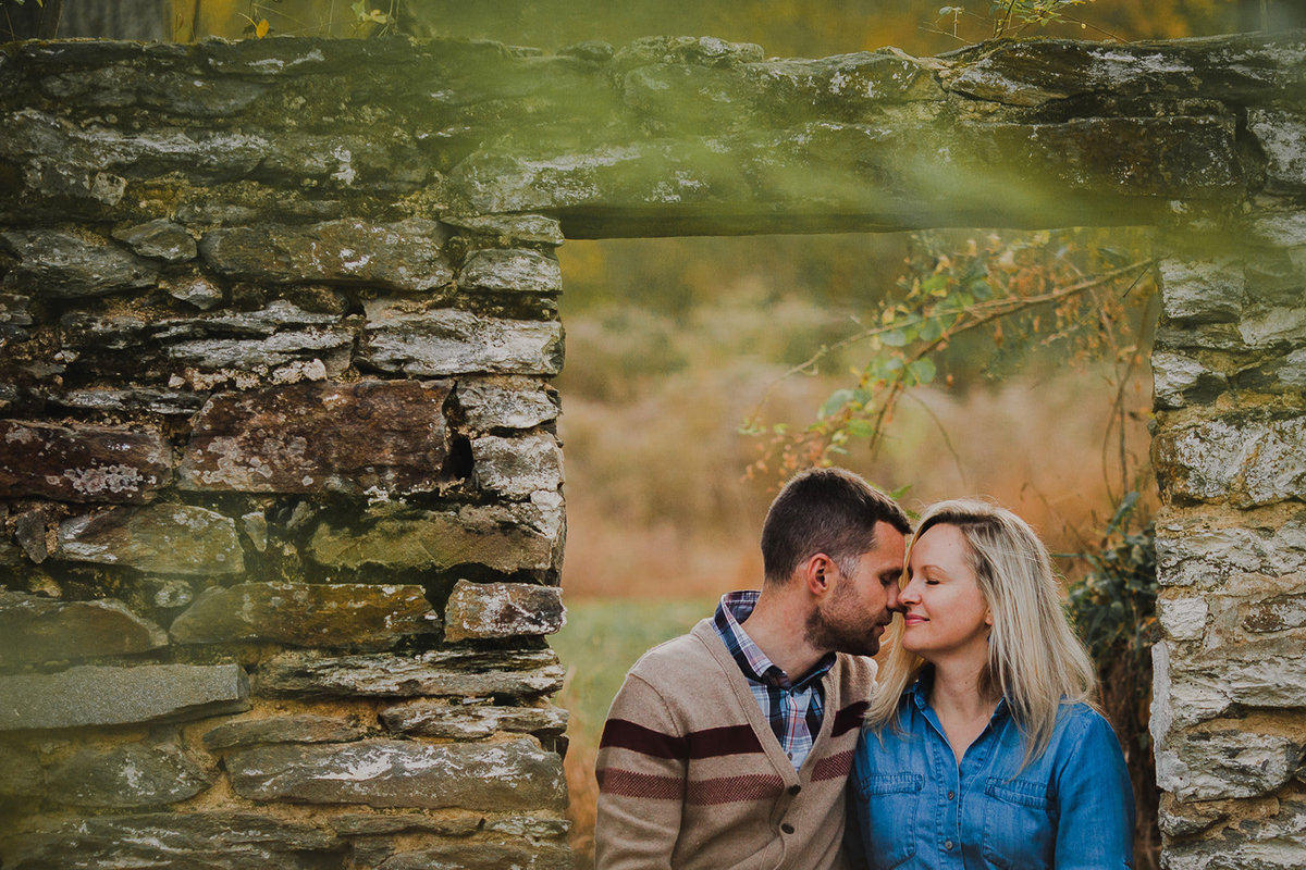 5_Outdoor_Couple_Engagement_Fall_Sunset_Maryland_Oregon_Ridge